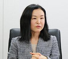 人事・総務部 サブマネージャー 浜川 麻里 様