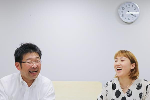 左:岸田 泰則さん 右:谷口 ちささん